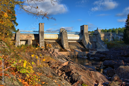 Leinwanddruck Bild Kind on hydroelectric power station in the city of Imatra