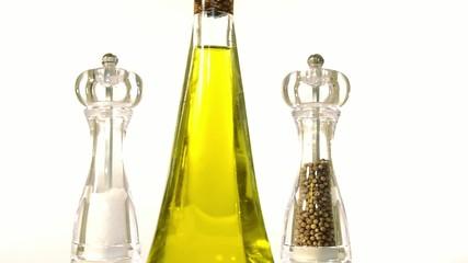 sale, olio e pepe
