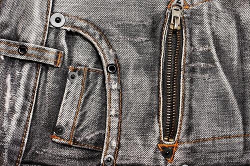 Jeans pockets and zipper