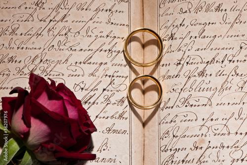 2 Herzen mit Rose