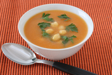 Soup with chick-pea