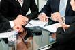 Business - Besprechung mit Arbeit am Vertrag
