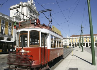 Sightseeing tram in Lissabon