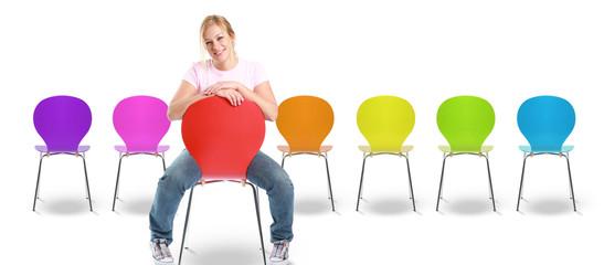 Bunte Stuhlreihe