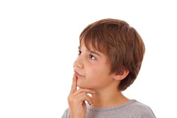 Schwere Entscheidung - Junge, Kind denkt nach