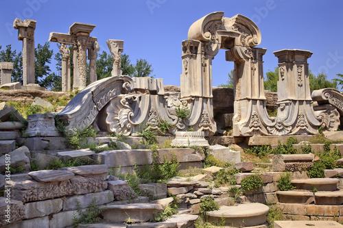 Foto op Aluminium Beijing Ancient Gate Ruins Pillars Old Summer Palace Yuanming Yuan Beiji