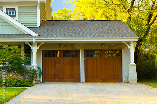 Two car wooden garage - 36389754