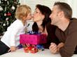 Familie an Weihnachten