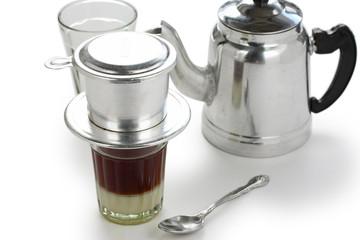 coffee brewing in vietnamese style