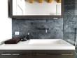 dettaglio del lavabo di bagno moderno