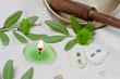 Asiatische Klangschale mit Kerze in Grün