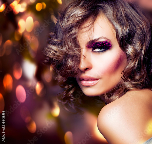 Fashion Beauty Girl. Fashion Vogue Style Portrait