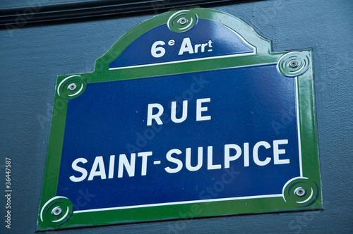 rue st Sulpice à Paris