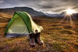 Camping bei Sonnenaufgang in Norwegen