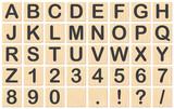 Buchstaben auf Holzplättchen - 36486708