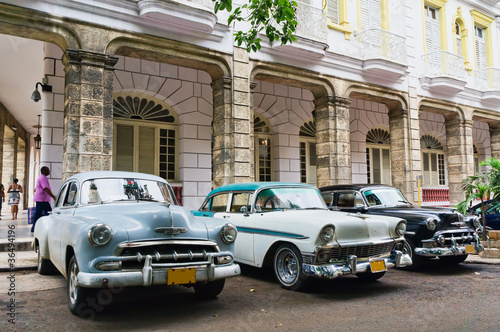 Poster Cubaanse oldtimers Havana, Cuba. Street scene.