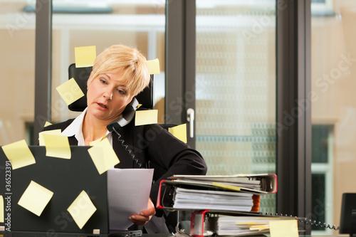 Stress im Büro - Multi tasking