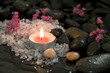 Trauerkarte in Schwarz mit Kerze und Wasser