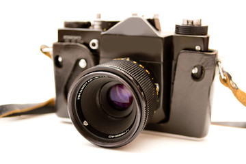 Фотоаппарат на белом фоне