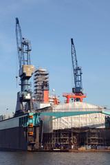 eine Werft in Bremerhafen