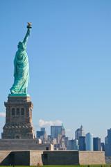 Statue de la liberté et manhatan
