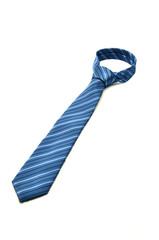 Cravatta azzurra annodata