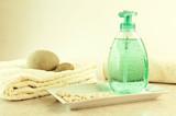 Rilassarsi con prodotti naturali - 36663562