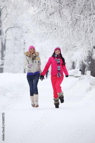 Фото подружек зимой 7 фотография