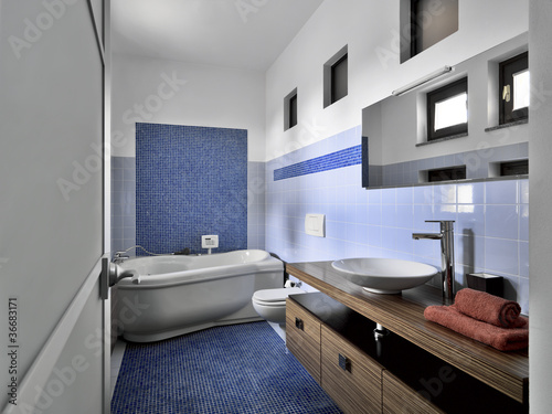 Bagno moderno con mosaico [tibonia.net]