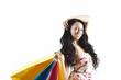 schwarzhaarige Frau beim Shopping - isoliert