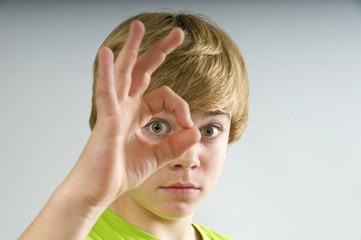 Teenager mit Durchblick