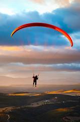 Parapente paracaidas, vuelo al ocaso