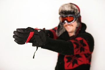 Snowboarder mit Winterhandschuhen