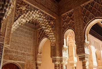 Beautiful carved columns in Alhambra palace