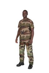 soldat en tenue de camouflage sur fond blanc