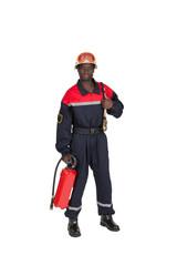 pompier avec extincteur sur fond blanc