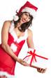 Weihnachtsfrau präsentiert Weihnachtsgeschenk in Dessous