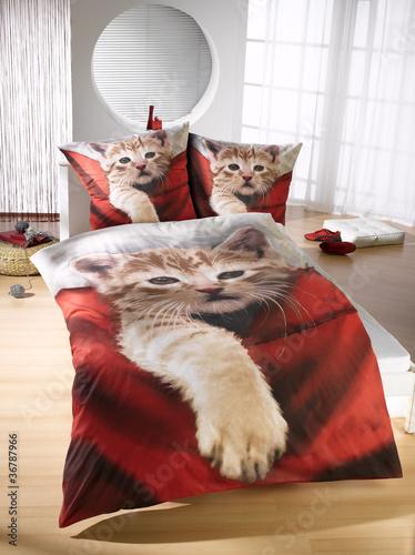 bettw sche von monster lizenzfreies foto 36787966 auf. Black Bedroom Furniture Sets. Home Design Ideas