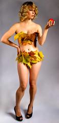 Eva mit Apfel