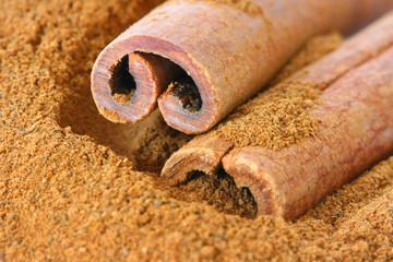 Ground cinnamon and whole sticks