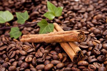 granos de café con canela