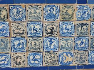 mattonelle di ceramica  dipinte  a mano