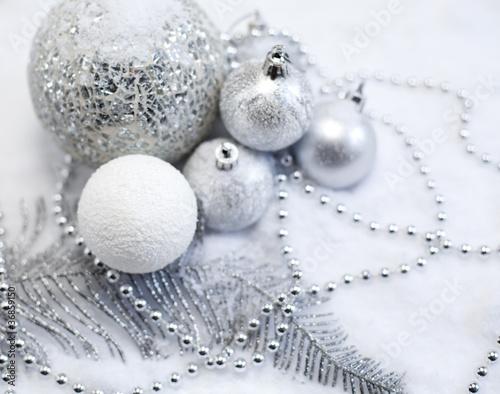 décor de Noël blanc et argenté