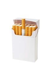 paquet de cigarettes vierge sur fond blanc