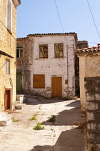 Basándose en Samos
