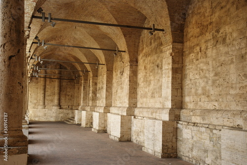 Minor cloister of San Francesco, Ascoli Piceno