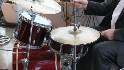 drummer plaing jazz