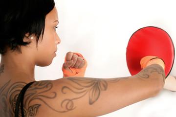 Boxerin beim Trainieren
