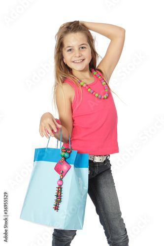 Enfant fait la star du shopping