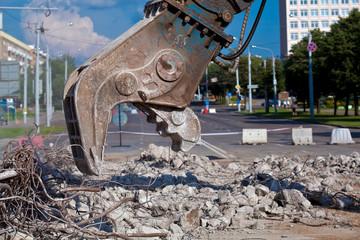 Concrete Demolition using Hydraulic Concrete Crushing Equipment
